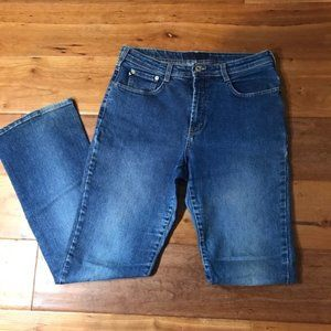 Express High Rise Relaxed Bootcut Jeans Size 32